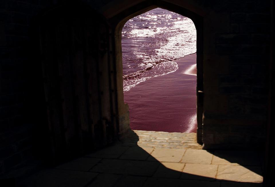 doorway-981803_960_720